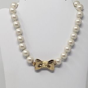 Kate Spade All Wrapped Up In Pearls Bow Necklace